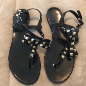 Shoes - Chinese Laundry sandals